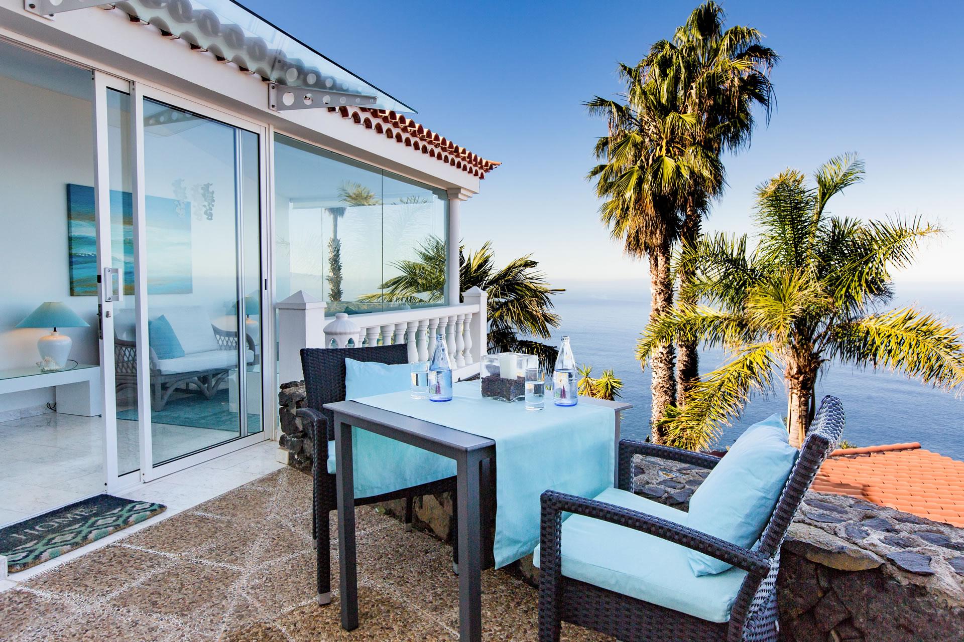 Casa Victoria at Jardin de la Paz: luxury studio with sea view