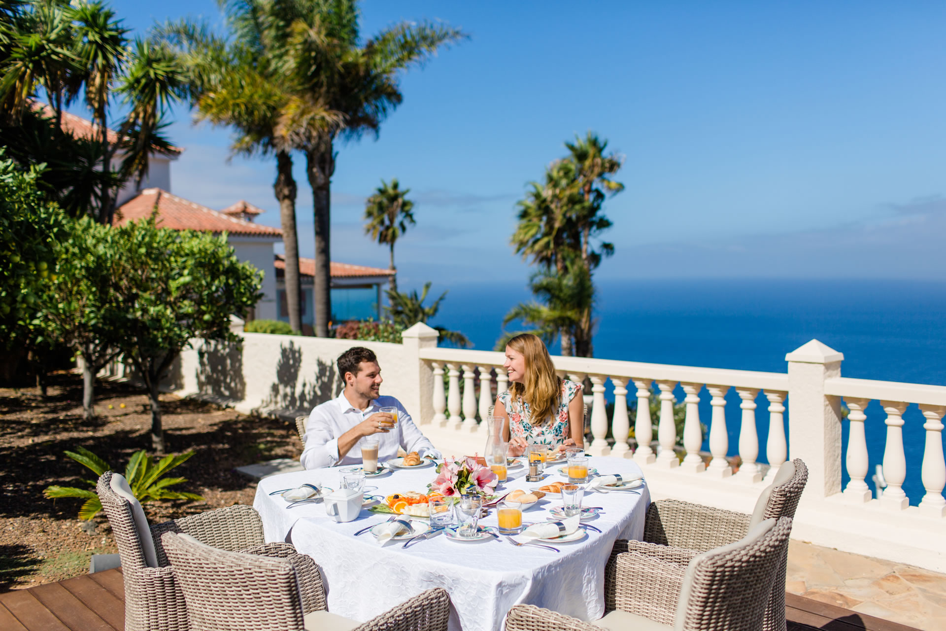 Breakfast by the sea with views of Tenerife